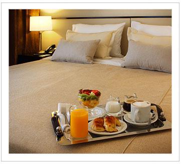 Room Service El Conquistador Hotel